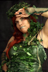 Poison Ivy - hachhh!!!!!!1 by LeadingPlantLady