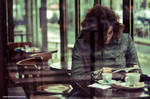 dans le cafe