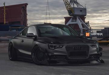 Audi-rs5-black