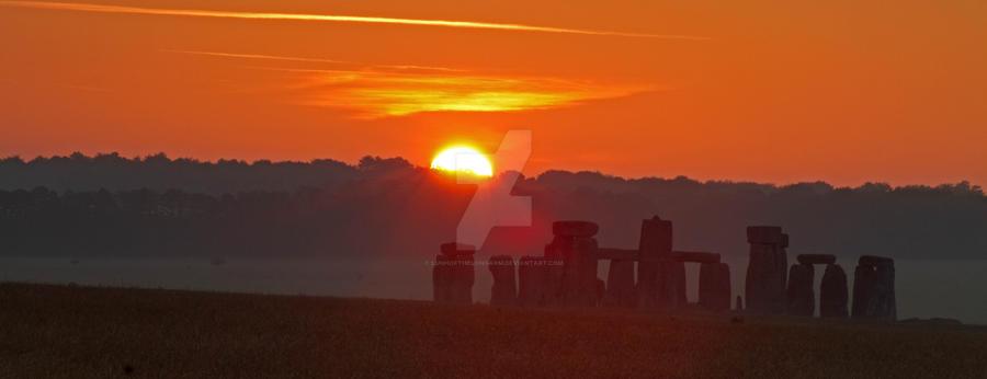 Sunrise Stonehenge by LughoftheLongArm