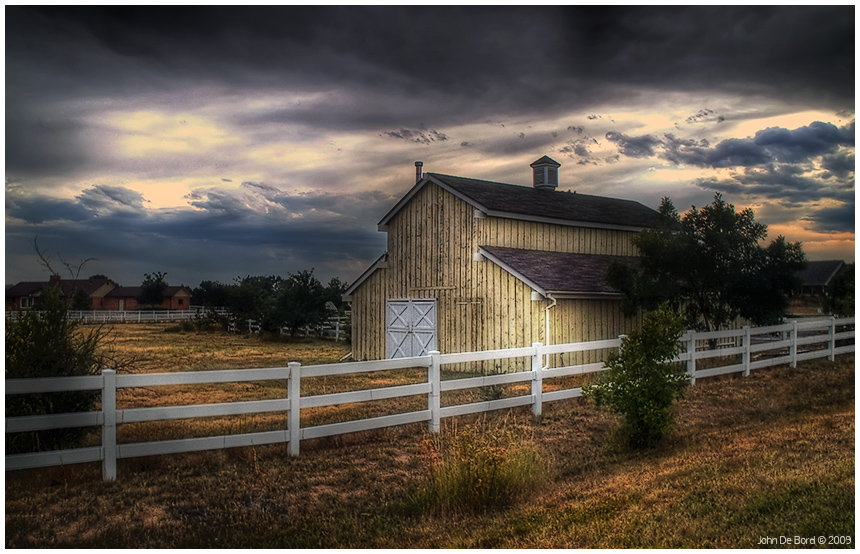 http://fc08.deviantart.net/fs28/f/2009/247/1/b/Evening_Light_At_The_Old_Barn_by_kkart.jpg