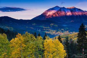 Autumn Alpenglow by kkart