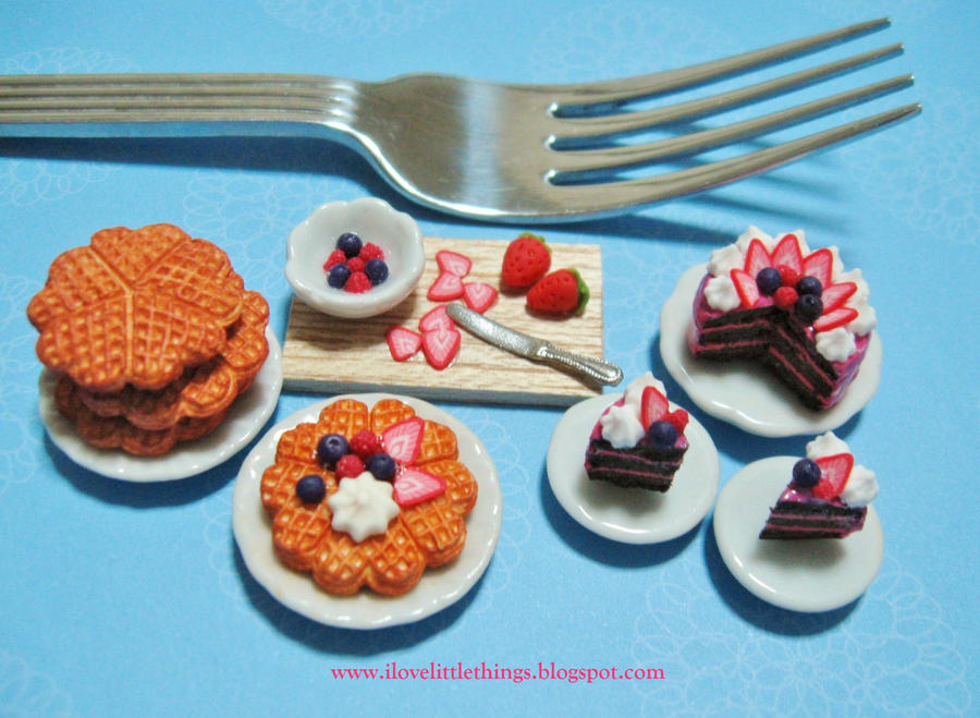 Dollhouse Miniature Berry Waffles n Cake by ilovelittlethings