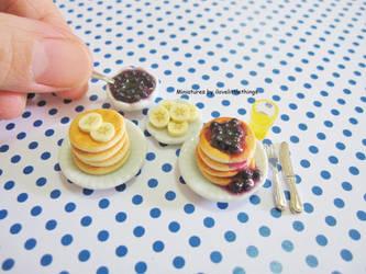 Dollhouse Blueberry Banana Pancakes by ilovelittlethings