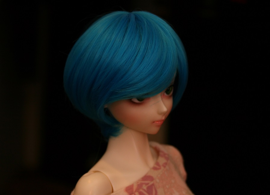 Blue hair by Chauu