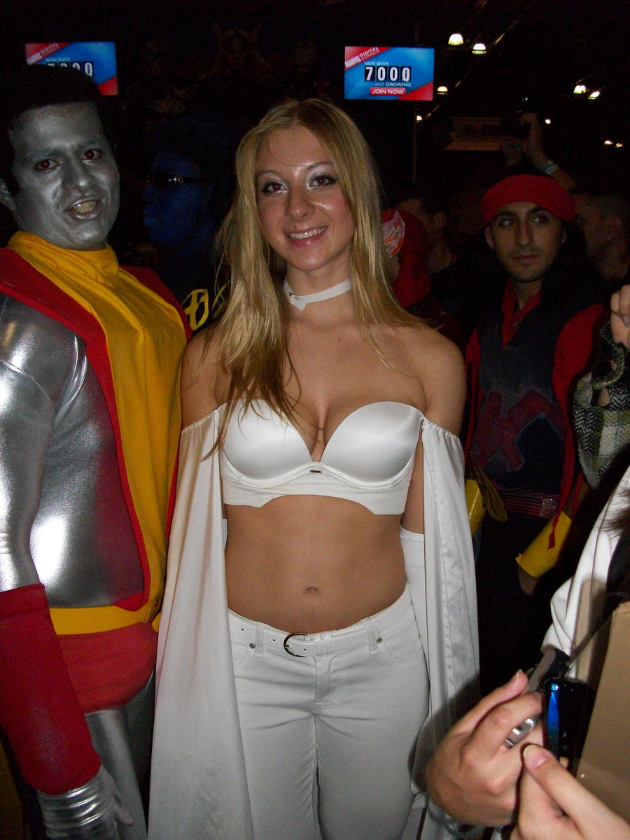 Emma Frost cosplay nycc 2010