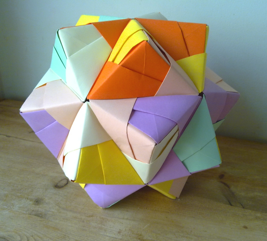 Modular origami icosahedron made from 270 used sticky notes ... | 815x900