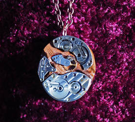 Steampunk Amulet by Fandragon