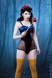 Not your usual Snow White by ladymorgana