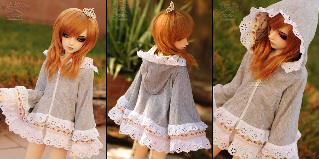 FS: Roses and Lace Hooded Fashion Poncho by kuroi-carousel