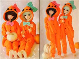 Two Little Pumpkins by kuroi-carousel