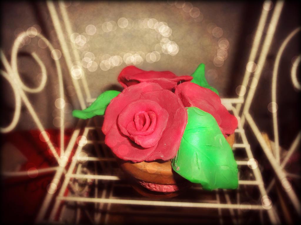 Clay Roses by Sashlyh