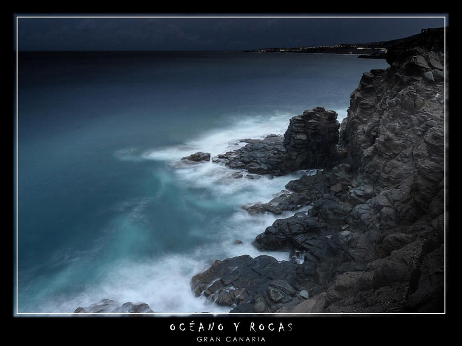 Ocean and rocks by Kaslito