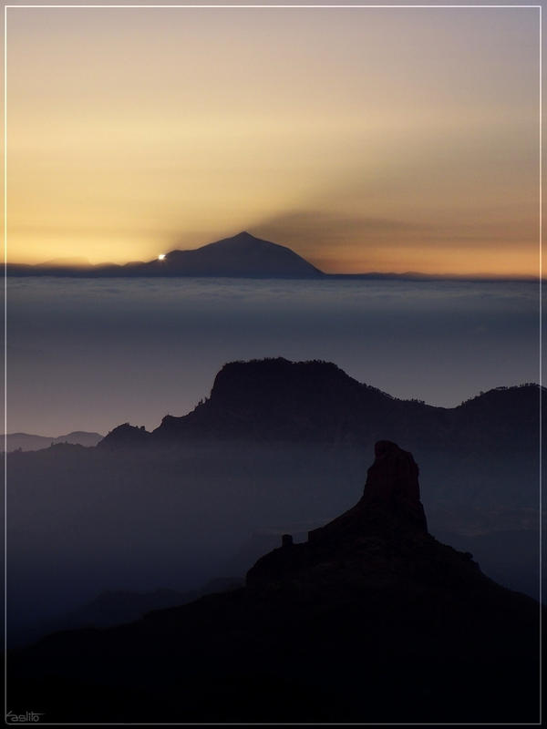 Mount Teide shadow by Kaslito