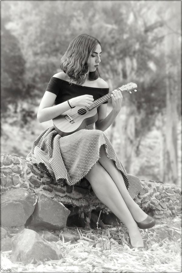 Ukelele girl by Kaslito