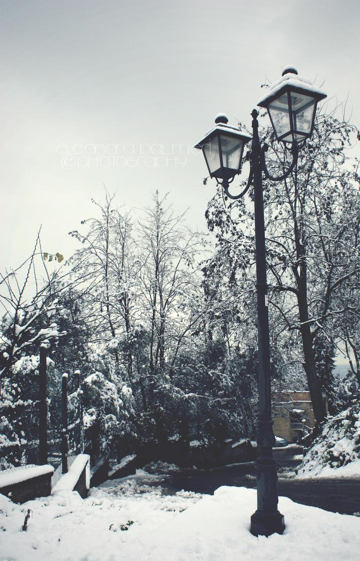 Snow in Rome 2010 by ElePetitePeste