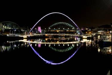 Millenium Bridge Reflections by StuartVinton