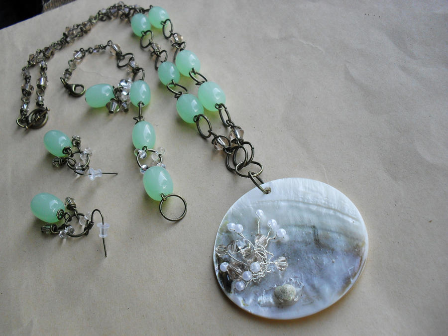 Jewelry set with crystals by edelweiss-workshop