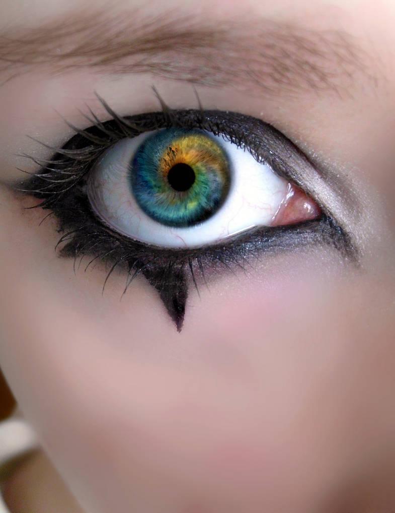 Hypnotizing Eyes