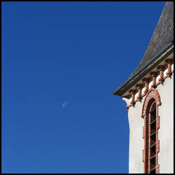 Lune en plein jour 03 by MonsieurG