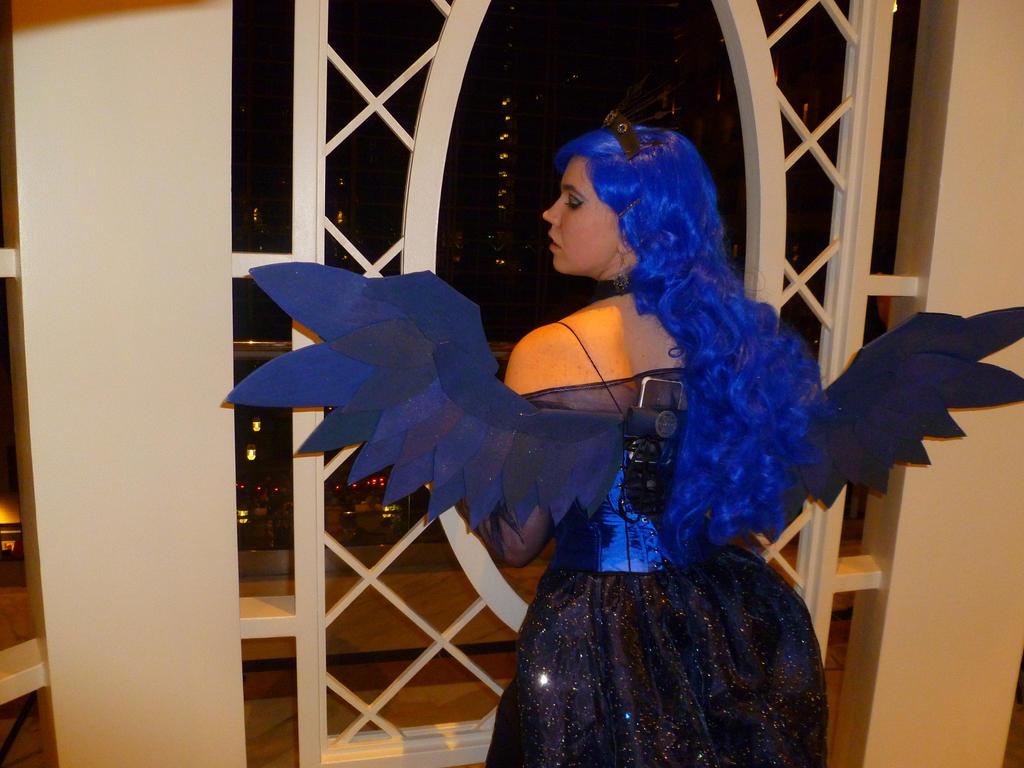 Princess Luna Cosplay ...