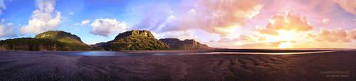 Punakaiki Beach - New Zealand by DesignMH