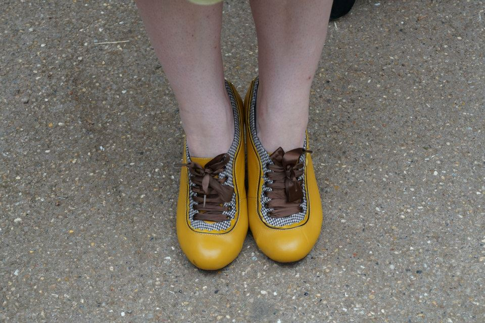 Yellow Shoes by CrumpetsHarvey