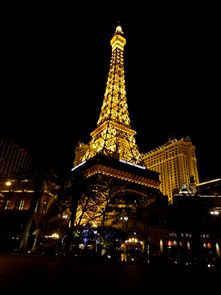 Paris Las Vegas - Eifel Tower by cyberfish128
