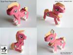 Eyup Pony Poseable Papercraft by jimbox31