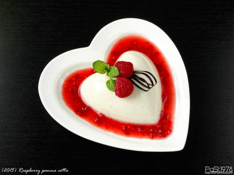 Raspberry panna cotta by PaSt1978