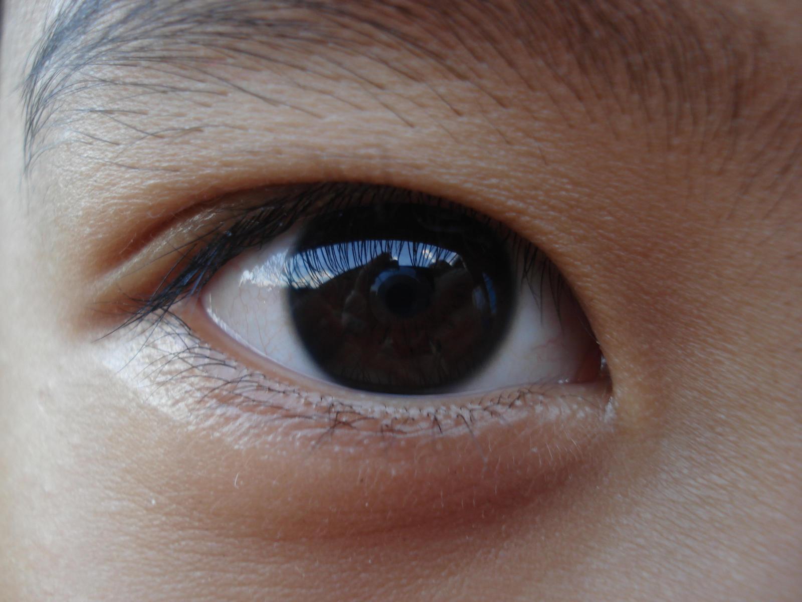 Eye Asian 48
