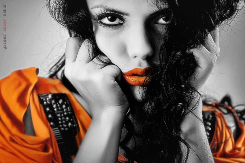 Orange - Page 2 Eyes_on_the_heart____by_basharbbr-d38mu1x