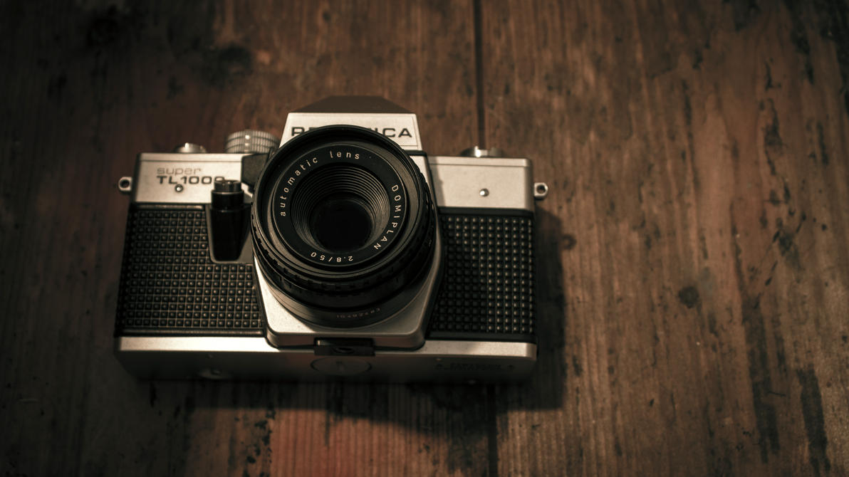 Vintage Camera By Danimatie