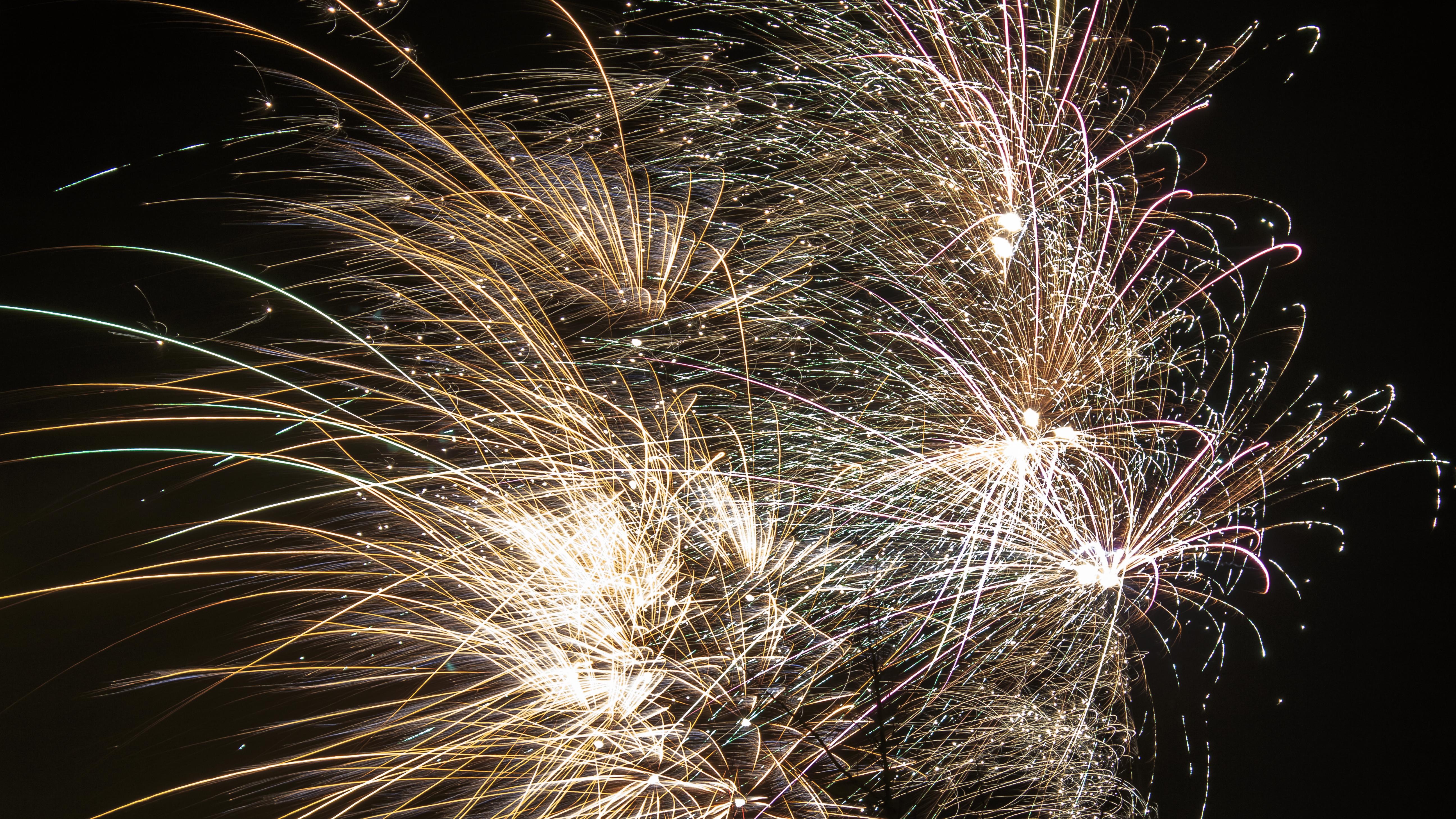 Fireworks 2 by Danimatie
