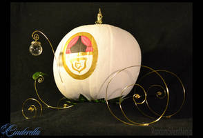 Cinderella's Pumpkin Carriage by RandomSilentNinja