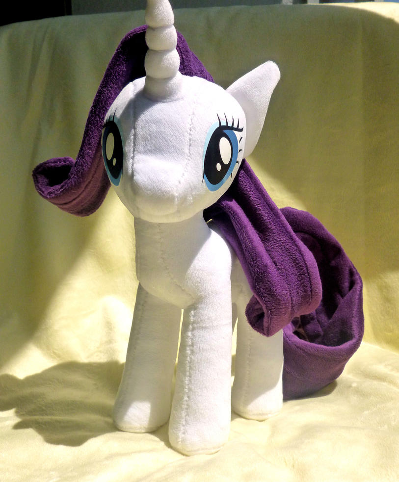 Rarity Plush by stevoluvmunchkin