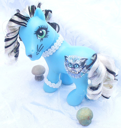 2010 Cheshire Cat Custom Pony by mayanbutterfly