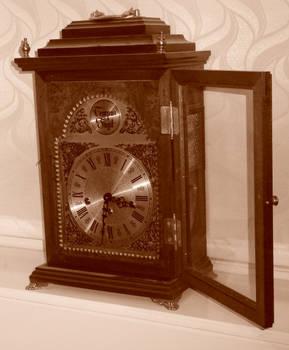 Bracket Clock Door Open