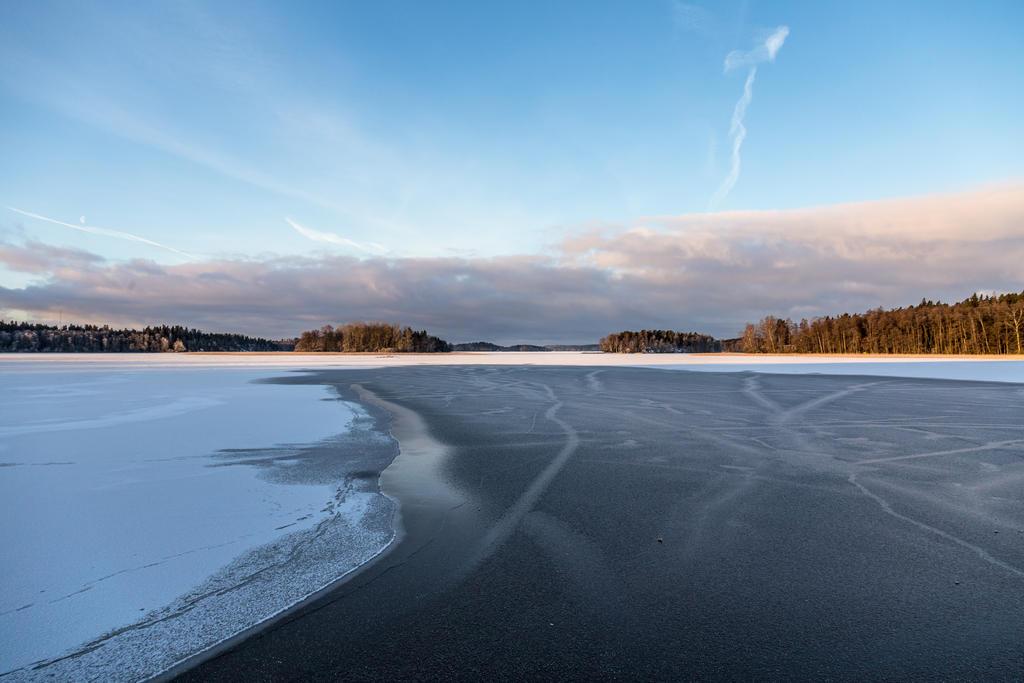 Frosty morning on the lake by BIREL
