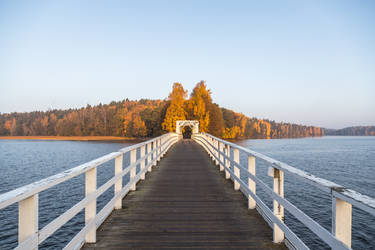 Autumn morning on the lake by BIREL