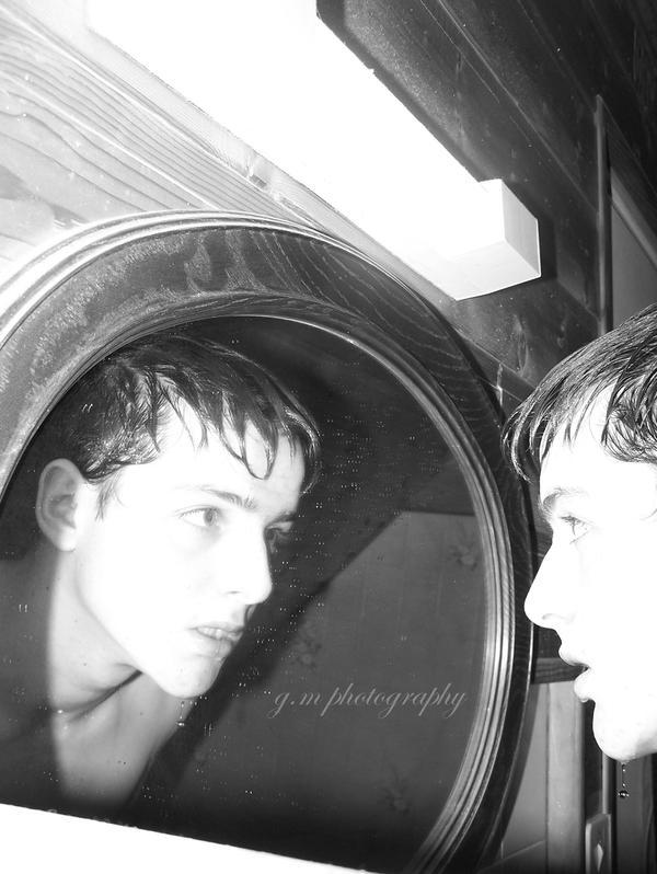 De l 39 autre cote du miroir by golgote504 for L autre cote du miroir
