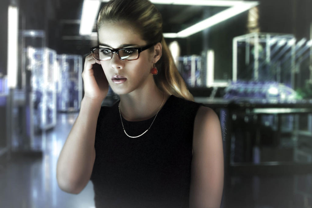 نتیجه تصویری برای ‪Felicity Smoak fan art deviantart‬‏