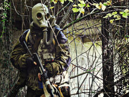 Looking (S.T.A.L.K.E.R. Cosplay)