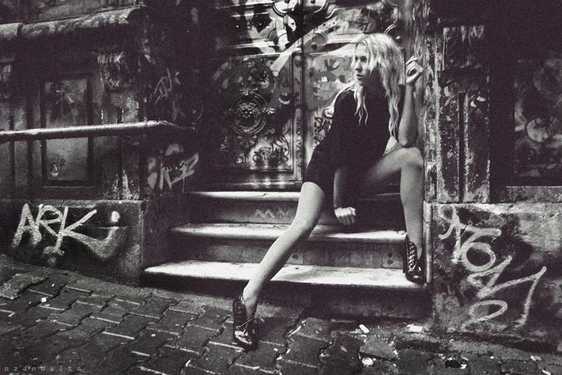 Izrazite svoja osecanja slikom - Page 2 Street_fashion_by_ozanb