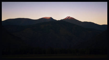 Sunset Peaks by MikeMS