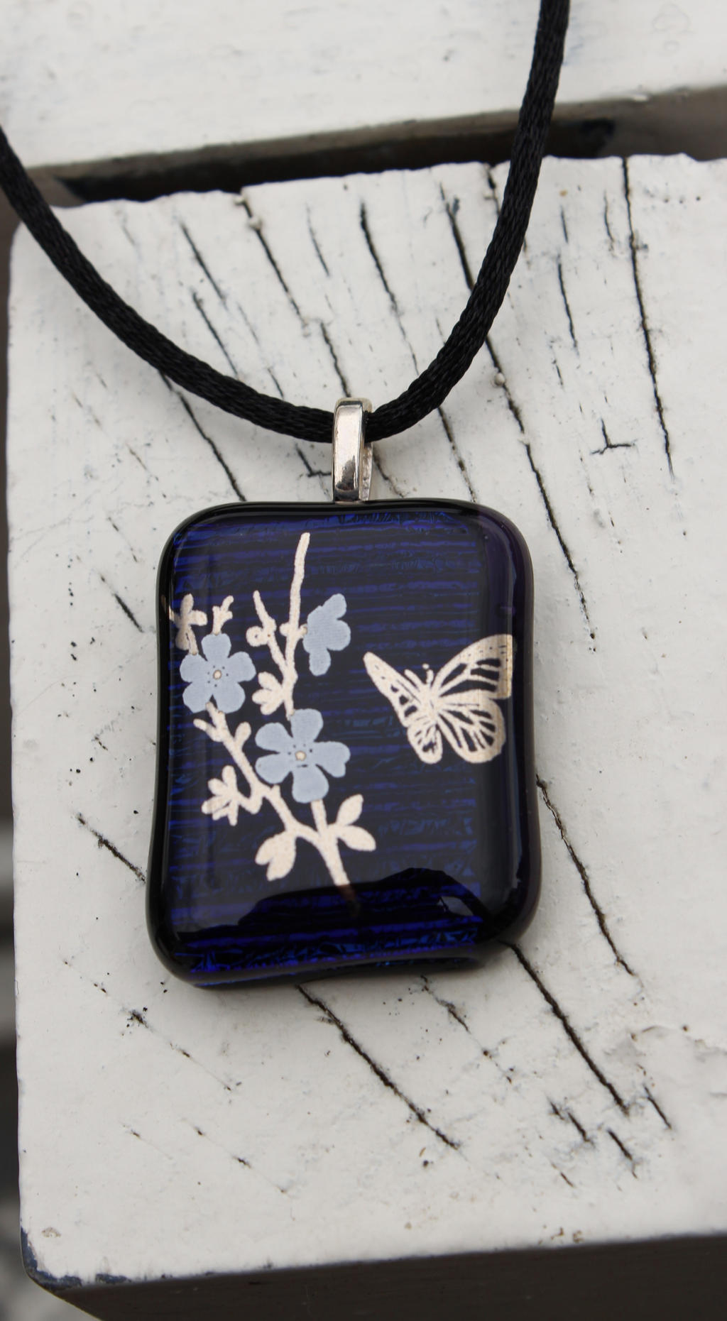 Butterfly and Flowers - Dichroic pendant by Dimolicious