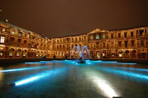Louvre's Courtyard by juliuslg