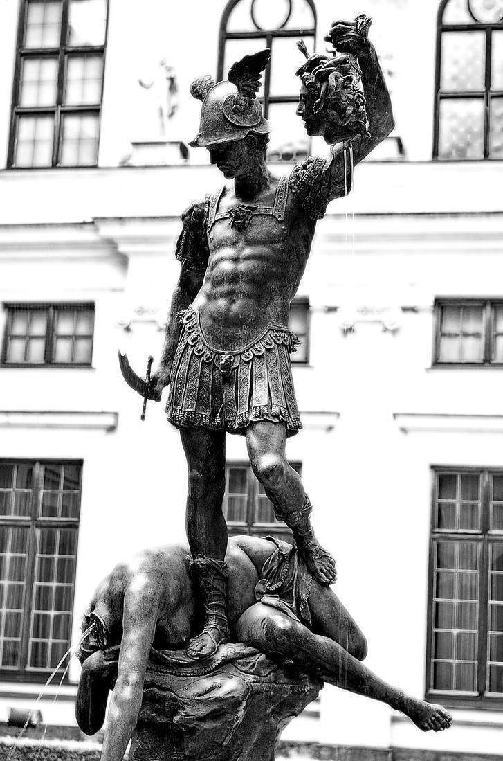 Statue by MirandaSoGreat