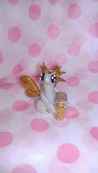 Pearl and Gold Bottle Dragon