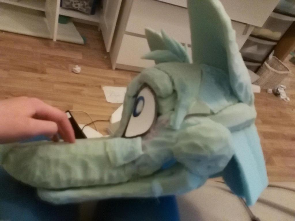 fur suit head =D by rustyblu